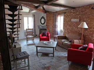 2 bedroom Apartment with Internet Access in Albi - Albi vacation rentals