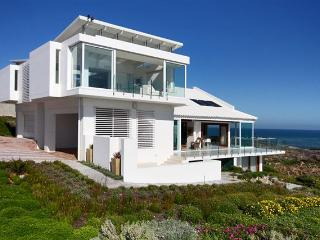 3 bedroom Villa with Satellite Or Cable TV in Yzerfontein - Yzerfontein vacation rentals