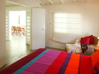Bright 4 bedroom House in Port Douglas with Dishwasher - Port Douglas vacation rentals