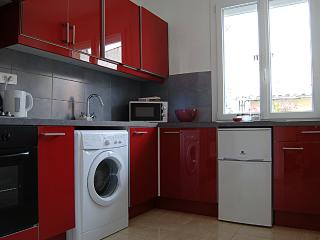 Perfect 1 bedroom Apartment in Perpignan with A/C - Perpignan vacation rentals