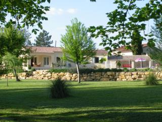 La Villa de l'Auzon - Carpentras vacation rentals
