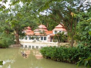 Kinkala 2-Bedr. Garden Apt. 1 - Chiang Mai vacation rentals