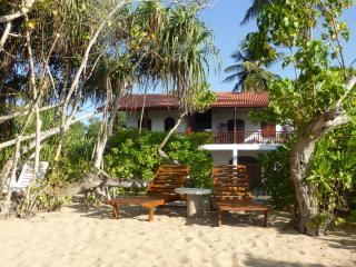 Villa Sunrise - 3-4 Zimmer bis zu 9 Personen - Tangalle vacation rentals