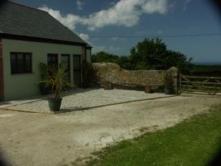 Lovely 2 bedroom Barn in Widemouth Bay with Internet Access - Widemouth Bay vacation rentals