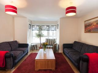 City Apartment - Edinburgh vacation rentals