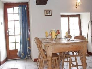 Perfect 2 bedroom Cottage in Tremblay - Tremblay vacation rentals