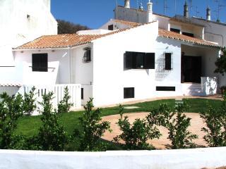 Lovely 4 bedroom Castro Marim House with Television - Castro Marim vacation rentals