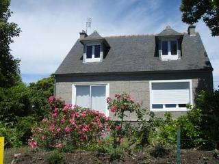 Nice House with Central Heating and Washing Machine - Morgat vacation rentals