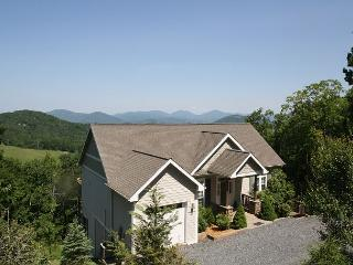 A Grandview stunning mountain home, top of the world views, sleeps 6 - Boone vacation rentals
