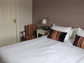Perfect 3 bedroom House in Lochwinnoch - Lochwinnoch vacation rentals