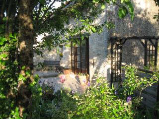 Beautiful Gite with Internet Access and Satellite Or Cable TV - Castelnau-de-Montmiral vacation rentals