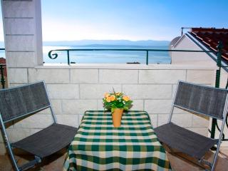 Sea view Apartment Popaj3 - Bol vacation rentals