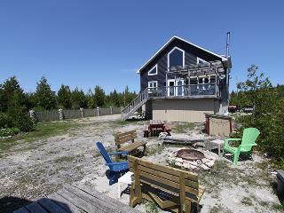 Schooners Haven cottage (#457) - Lions Head vacation rentals