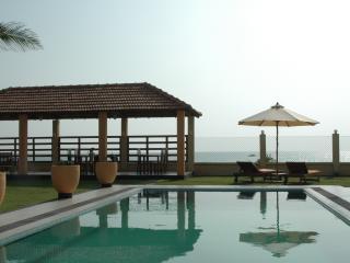 Comfortable 9 bedroom Pitiwella Villa with Internet Access - Pitiwella vacation rentals