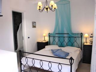 DOUBLE ROOM GARDEN VIEW(KORALI) - Kalafatis vacation rentals