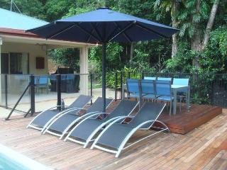 The Rainforest Family Retreat Redlynch Cairns pets - Cairns vacation rentals
