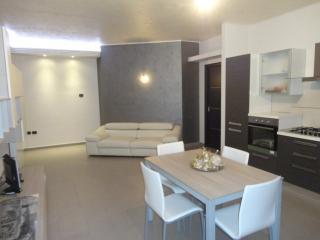 Appartamento privato La Casa di Giulia - Rossano vacation rentals