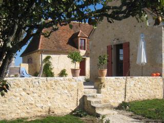 Gite de charme pour 8 pers- La Sautie - Thenon vacation rentals