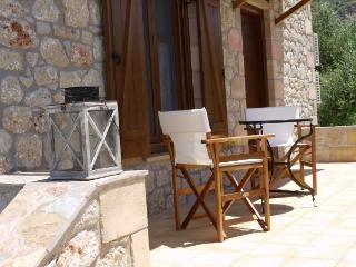 Charming 1 bedroom Kardamili House with Internet Access - Kardamili vacation rentals