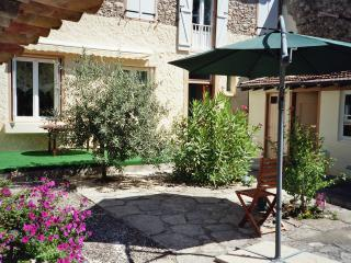 4 bedroom Bed and Breakfast with Internet Access in Belesta - Belesta vacation rentals