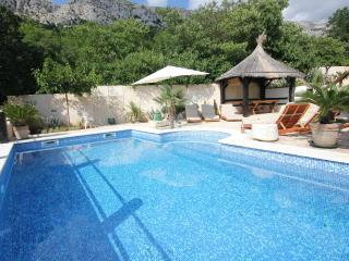 Beautiful House with Internet Access and A/C - Brela vacation rentals