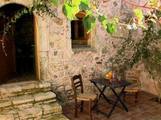 Ksa Sou Guesthouse 1 for families & nature lovers - Listaros vacation rentals