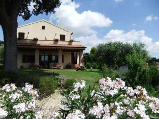 Nice 3 bedroom House in Carassai - Carassai vacation rentals