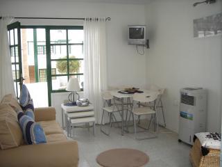 Comfortable 1 bedroom Condo in Puerto Del Carmen - Puerto Del Carmen vacation rentals