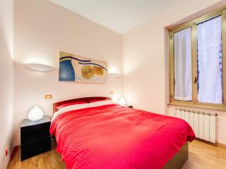 LITTLE JEWEL in the center - 60m2, free WIFI, AC - Rome vacation rentals