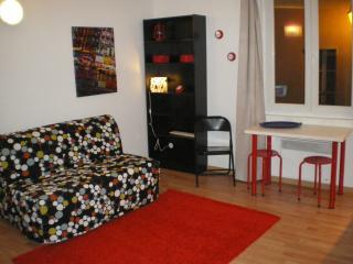 adorable studio 1 centre historique wifi - Aix-en-Provence vacation rentals