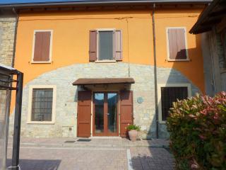 Wonderful 4 bedroom Farmhouse Barn in Salsomaggiore Terme - Salsomaggiore Terme vacation rentals