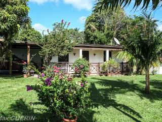 Nice Bungalow with Internet Access and A/C - Ducos vacation rentals
