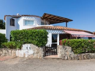 Beautiful 3 bedroom Villa in Baia Sardinia with Internet Access - Baia Sardinia vacation rentals