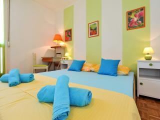 APT CENTRAL CLOSE TO  EVERYTHING ! - Zadar vacation rentals