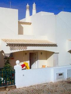 Cozy 2 bedroom Ferragudo House with Linens Provided - Ferragudo vacation rentals