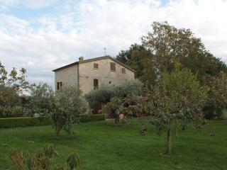 Perfect Farmhouse Barn with A/C and Wireless Internet - Sant'Agata de' Goti vacation rentals