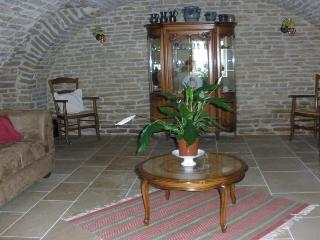 3 bedroom Guest house with Internet Access in Beaune - Beaune vacation rentals