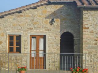 Romantic 1 bedroom Sansepolcro Condo with Garden - Sansepolcro vacation rentals