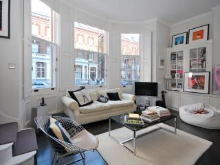ONE BEDROOM CENTRALLY LOCATED CLOSE TO HYDE PARK - London vacation rentals