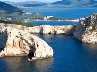 Alghero cozy flat by the sea - Fertilia vacation rentals