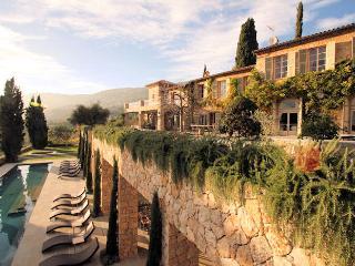Villa Bastide La Grande, Grasse - Saint-Cezaire-sur-Siagne vacation rentals