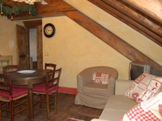 Bright 1 bedroom Apartment in Baceno with Internet Access - Baceno vacation rentals