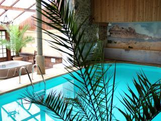 GITES DE KERHAYET & PISCINE - Carnoet vacation rentals