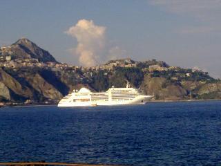 APPARTAMENTO  MIKROS  30 METRI DAL MARE - Giardini Naxos vacation rentals