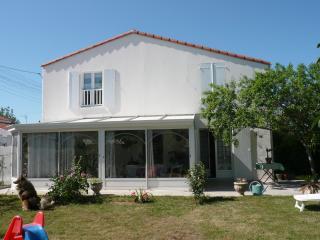 Cozy 3 bedroom Villa in La Rochelle - La Rochelle vacation rentals