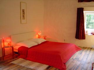 Bright 1 bedroom Saint-Affrique Bed and Breakfast with Internet Access - Saint-Affrique vacation rentals