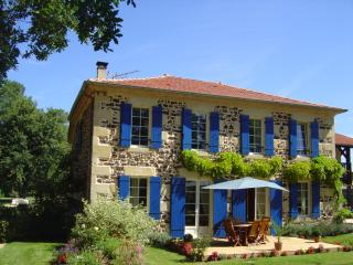 Romantic 1 bedroom Guest house in Liposthey - Liposthey vacation rentals