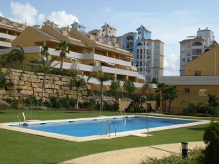 3 bedroom Apartment with A/C in Estepona - Estepona vacation rentals