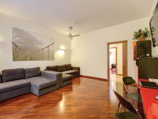 """""""SAPPHIRE"""" apartment in Rome - 100m2, free wifi - Rome vacation rentals"""