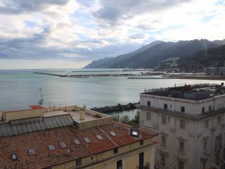 """Suite """" La Rotonda """" Salerno - Centralissimo - - Salerno vacation rentals"""